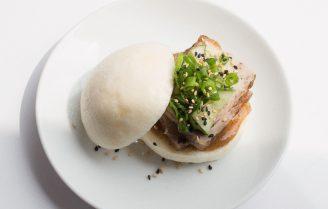 Gefrituurde soft shell crab bao