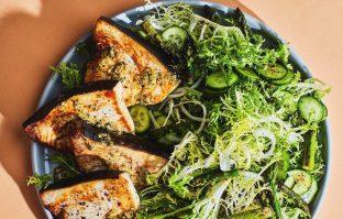 Zwaardvisfilet met asperges & krulandijviesalade