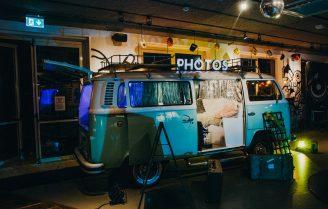 Niet meer weg te denken van feestjes: de Photobooth