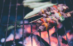 URBAN COOKING: tover je balkon om tot buitenkeuken met de tafelbarbecue!