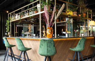 Vanderveen takes over Café Moer
