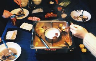 HOT & HOT Hotpot – 'ouderwets gezellig'