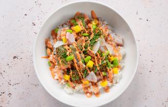 Primeur! Poké Perfect en Sjefietshe lanceren samen de ceviche bowl.